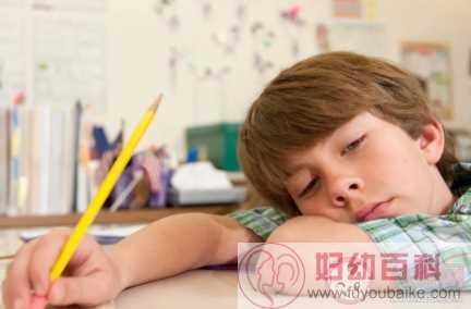 孩子做作业分神怎么改正好 家长应该怎么做科学