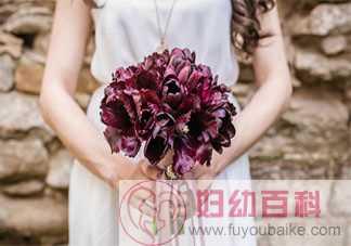 七夕情人节晒结婚证照片的文案句子 七夕领证结婚了发朋友圈心情文案
