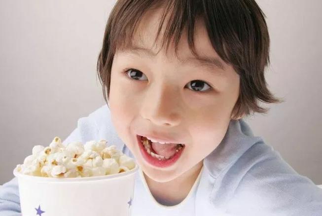 宝宝爱吃零食不爱吃饭怎么办 如何选购儿童零食