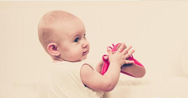 孩子穿鞋不当容易造成哪些足部疾病 掌握给孩子正确选鞋子的方法