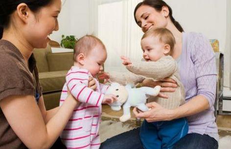 2岁宝宝只会说简单词是发育迟缓吗 宝宝学说话规律过程