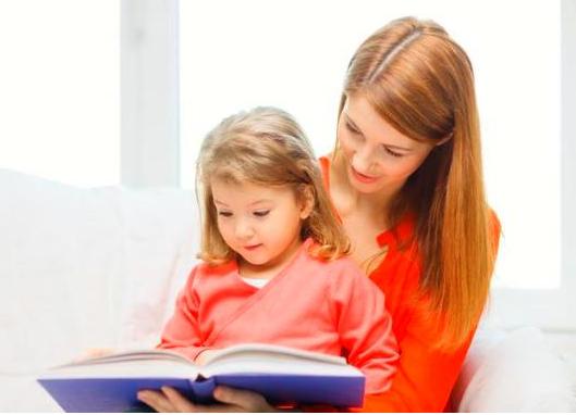 家长怎么陪孩子读绘本 家长陪孩子读绘本的方法