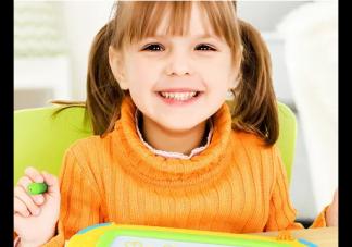 下雪天可以和孩子玩什么 下雪天适合和孩子玩的小游戏