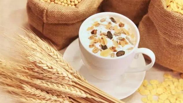 吃燕麦是回奶还是催乳的 吃燕麦对母乳喂养的好处