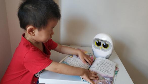 卢卡绘本机器人怎么样 卢卡绘本机器人使用测评