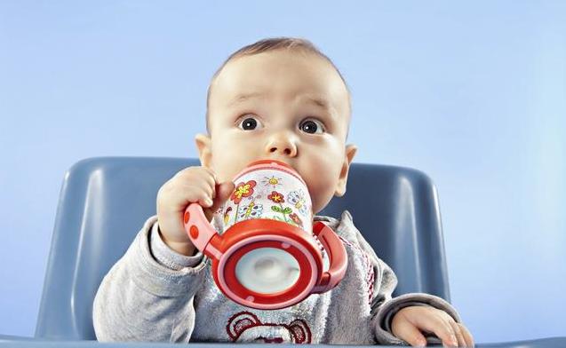 一岁以内宝宝喝纯牛奶好吗 宝宝断奶喝什么奶更好