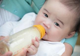 孩子这个年纪就该戒掉奶瓶了 这个年纪不戒奶瓶小心宝宝变丑