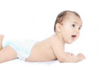 宝宝口水总是流个不停妈妈头疼 宝宝爱流口水该如何护理呢
