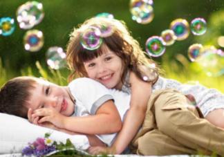 二胎家庭怎么保护大宝 注意大宝的情绪很重要