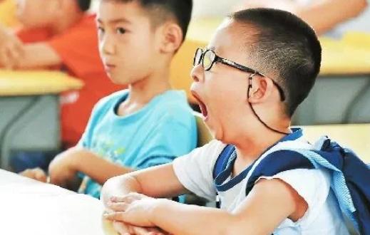 中国超六成儿童睡眠不足8小时 睡眠时间长短影响孩子成绩好坏吗