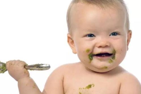 宝宝米粉用奶瓶喂好不好 宝宝辅食迷糊加到奶瓶有什么问题