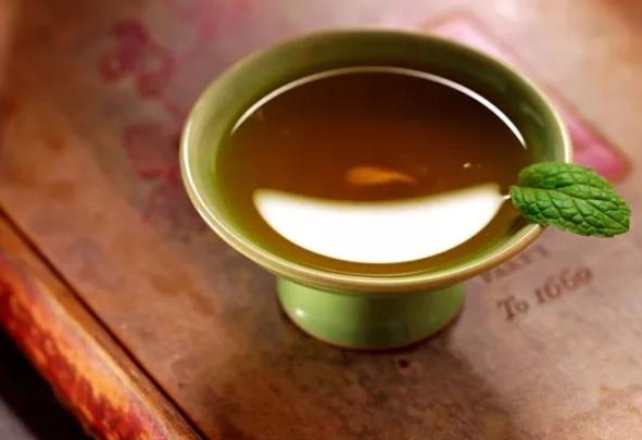 小孩上火能喝凉茶吗 小孩上火喝凉茶要注意什么