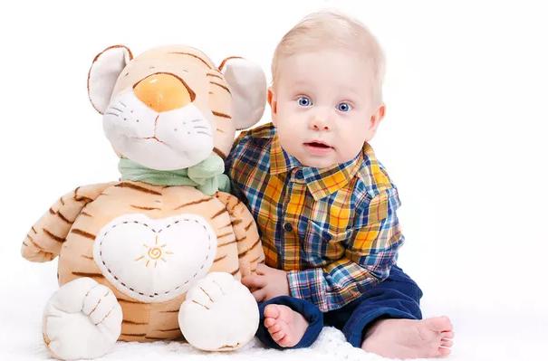 7个月宝宝早教怎么做 7个月宝宝早教游戏推荐